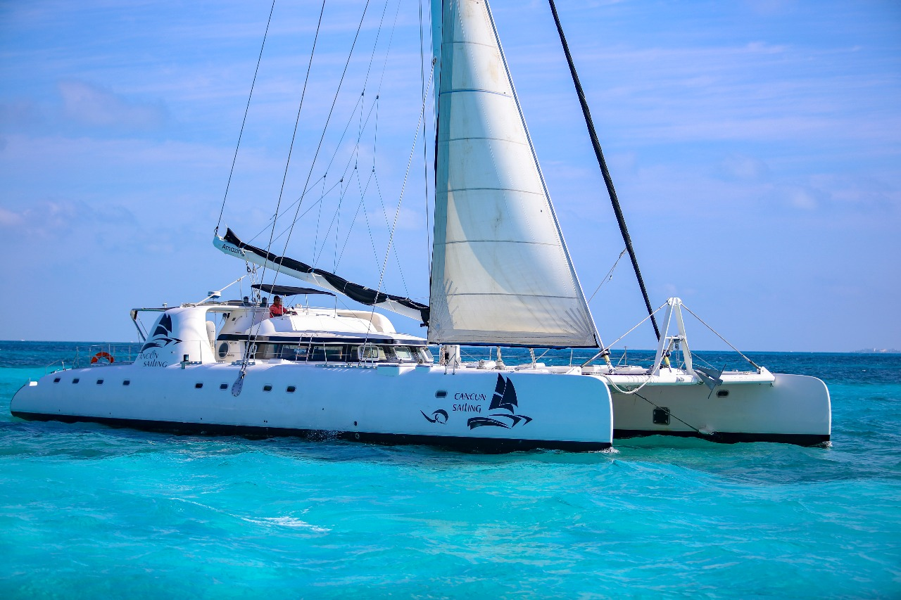 Fountaine Pajot 82